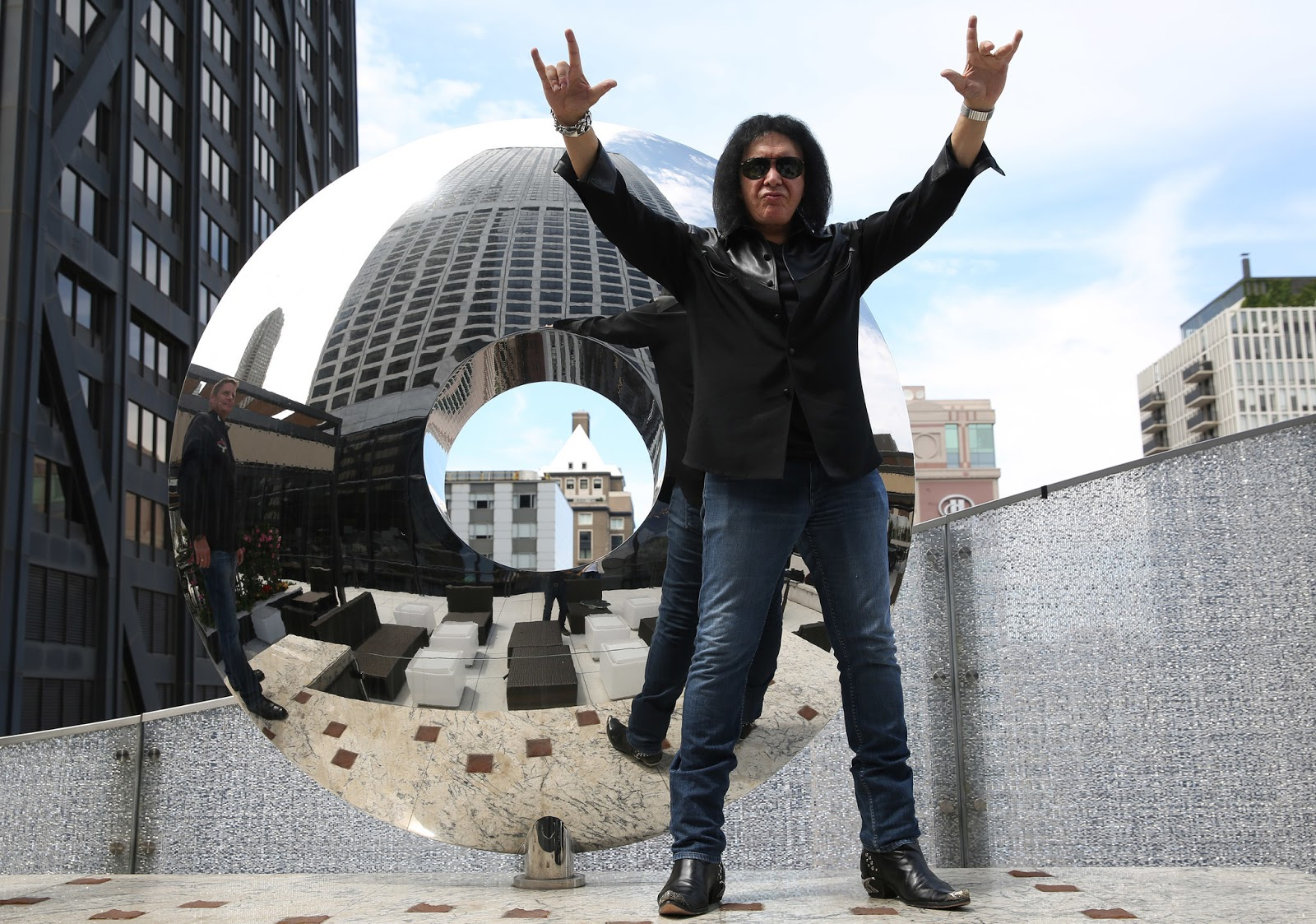 VIDEO: Gene  & Paul to open 15 Rock And Brews in Chicago