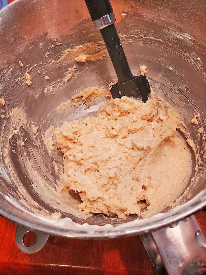 this is a batter with orange pulp, orange zest for an orange pound cake