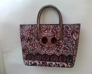model tas batik wanita