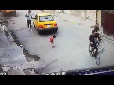 كامرا مراقبة ترصد حادث دهس طفلة