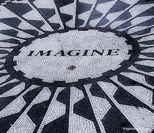 Stawberry Fields, memorial a John Lennon no Central Park de Nova York