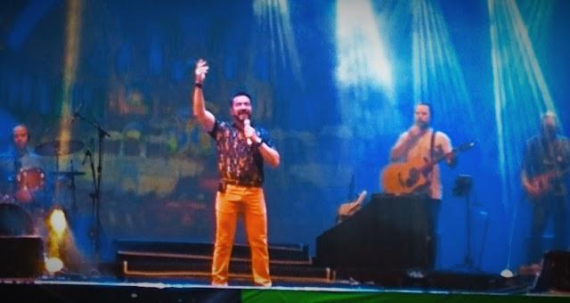 Padre Fábio de Melo encanta os Limoeirenses com seu show