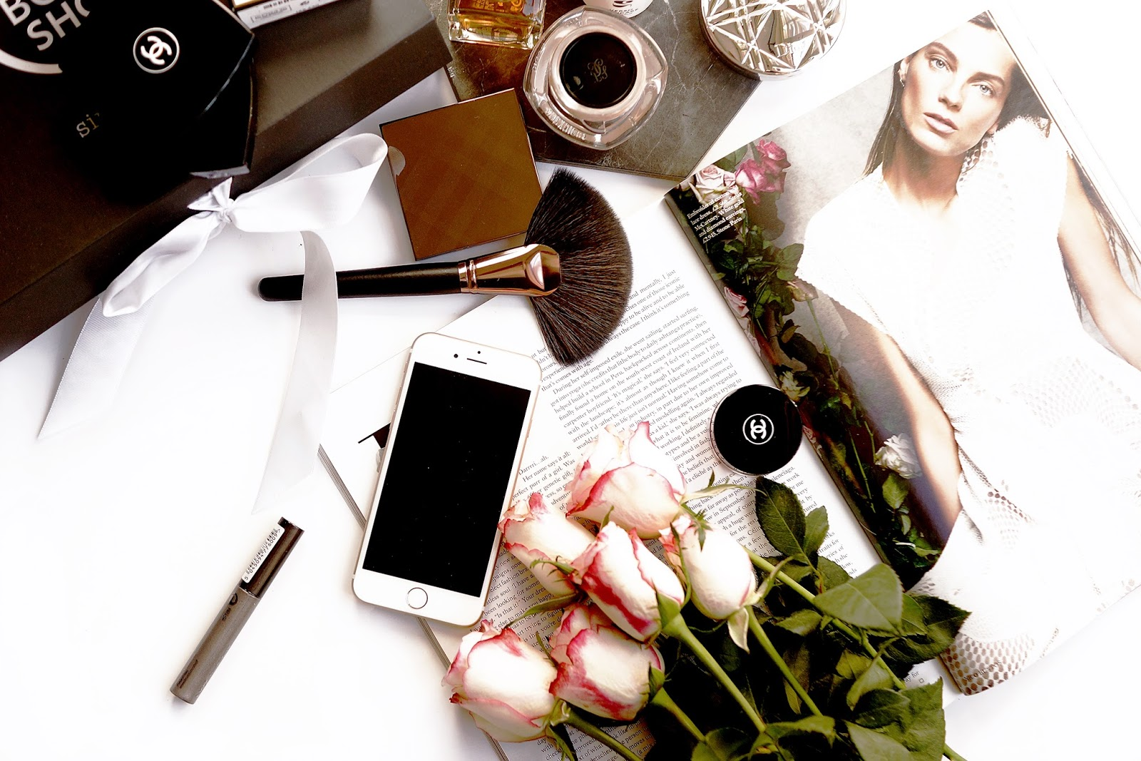 Barely-there-beauty-lifestyle-beauty-flatlay-photography-questionnaire