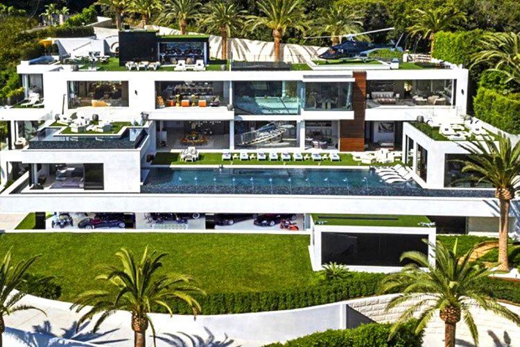Dan Bilzerian'ın Bel Air'da 250.000.000 dolar değerinde bir evi var.