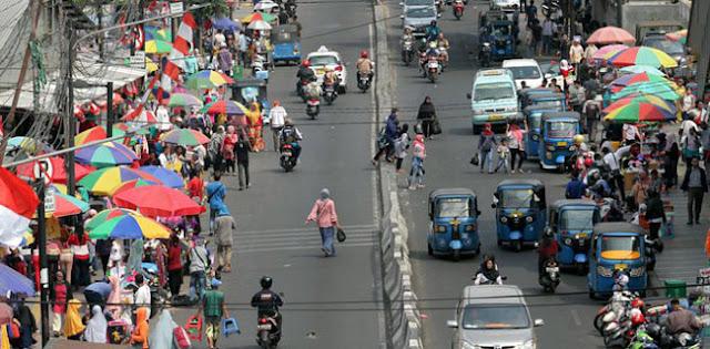Pak Anies, Tak Semua Trotoar Di Jakarta Bisa Dipakai Jualan