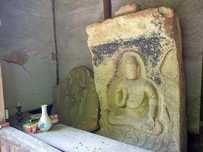 石棺仏(如来坐像)