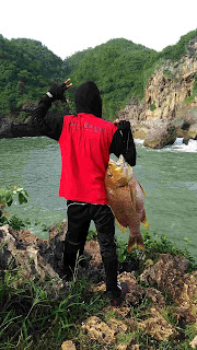 extream fishing spot in indonesia