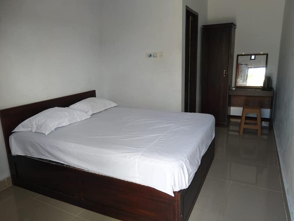 Hotel Tiworo Muna Barat