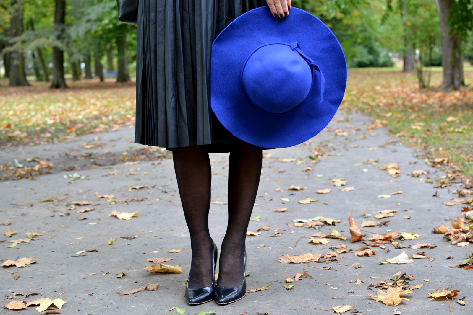 royal blue hat