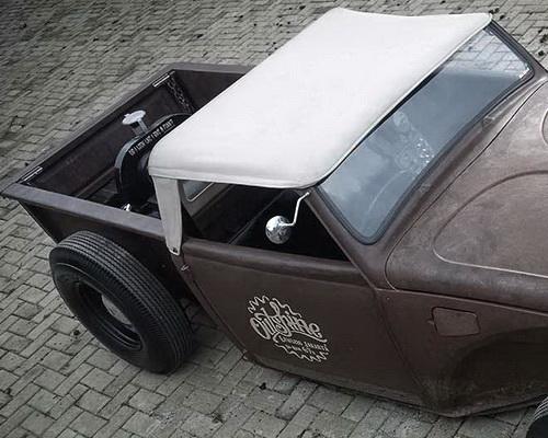 Tinuku Lawless Garage studio realized wishful VW Beetle Outshine Volksrod canvas pickup and rust body