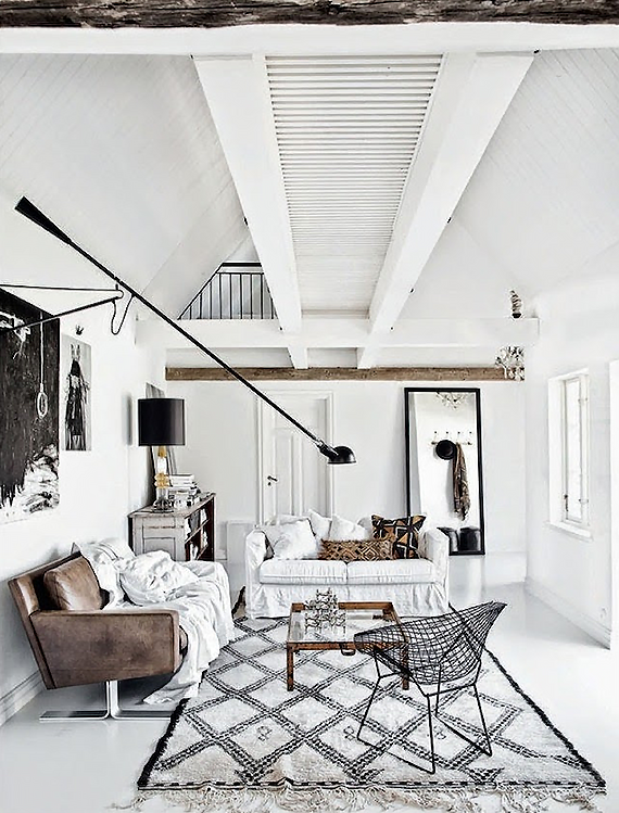 Scandinavian rustic living room | Styling by Jenny Hjalmarson Boldsengram, photo by Hannah Lemholt for Elle