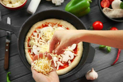 Cara yang Paling Mudah Membuat Pizza Tanpa Oven ala Anak Kost