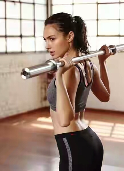 6bfac8eb.jpg slt2 - Gal Gadot Sexy Gym Workout Images will automatically encourage you to do Exercise Wonder Girl in Fitness