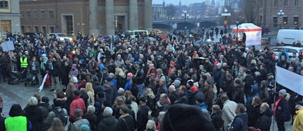 Σουηδοί: Διαδηλώσεις στη Στοκχόλμη κατά της παράνομης μετανάστευσης