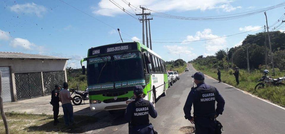 Prefeitura de Oriximiná intensifica as ações contra o Coronavírus e monitora veículos que entram na cidade vindo de outros municípios.
