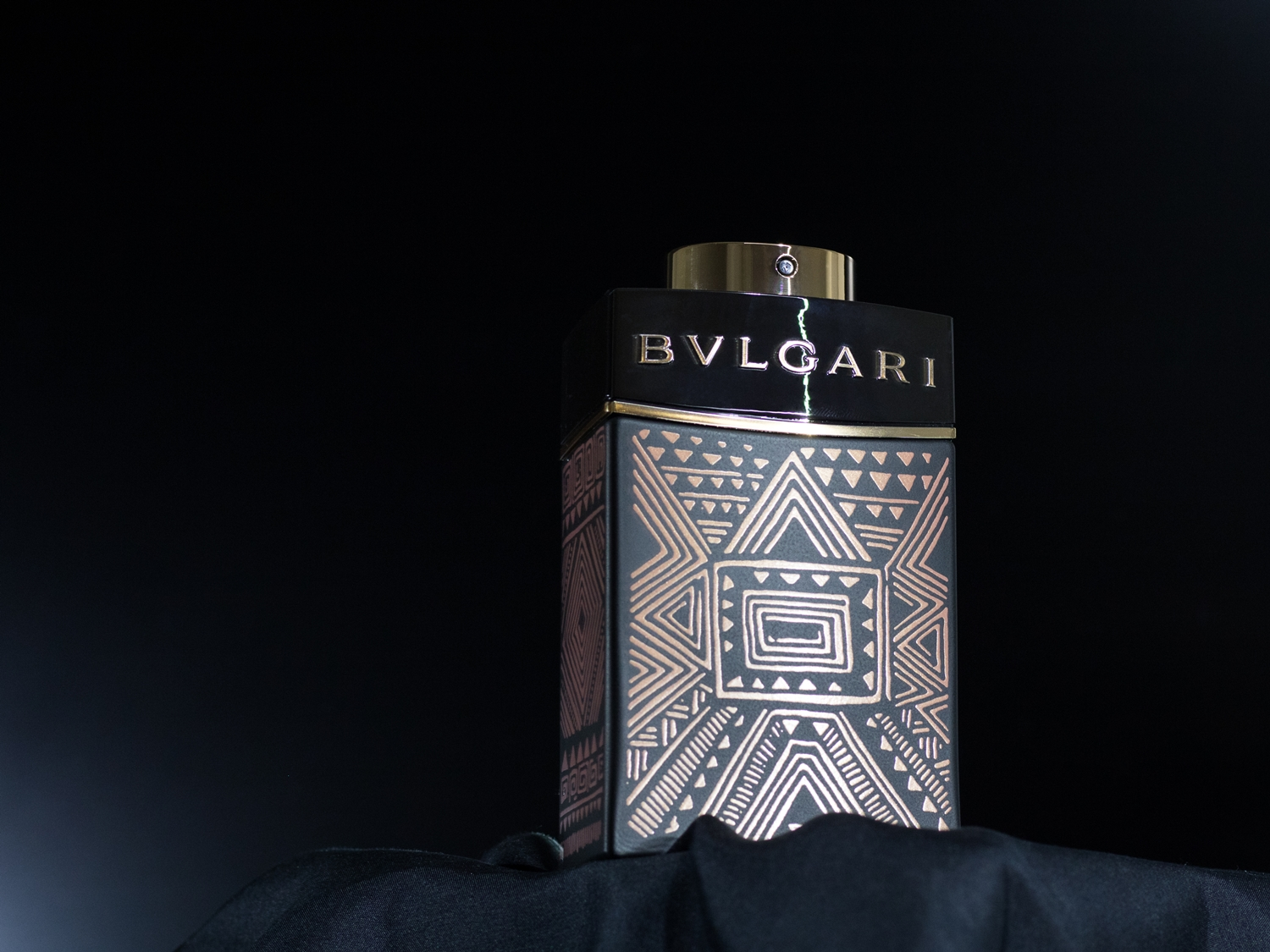 Bvlgari Man In Black Essence