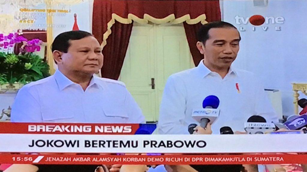Bertemu Jokowi di Istana, Prabowo: Kami Siap Membantu