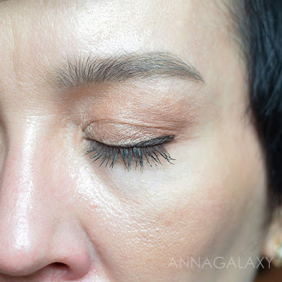 Как смотрится в макияже Faberlic Glam Outfit Ультратонкий карандаш для бровей 5663 темный блонд