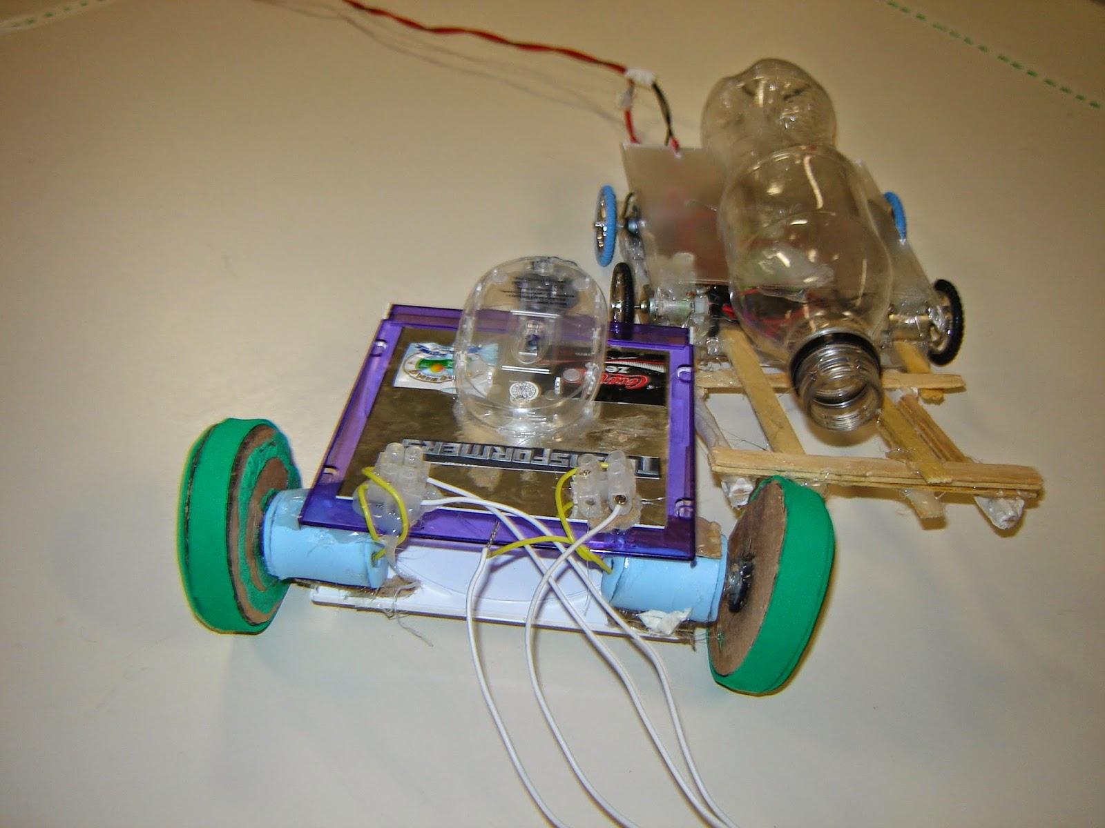 62d8e223c7e O objetivo da competição é empurrar o robô oponente para o exterior de uma  arena circular. O maior prêmio do jogo é o conhecimento!