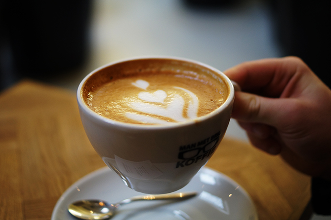 Man met Bril Koffie