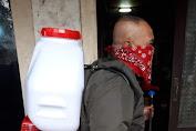 Marsda TNI I Nyoman Trisantosa S.I.P, M.Tr (Han) Sumbangkan Mesin Penyemprot Disinfektan Pada Jurnalis Bela Negara