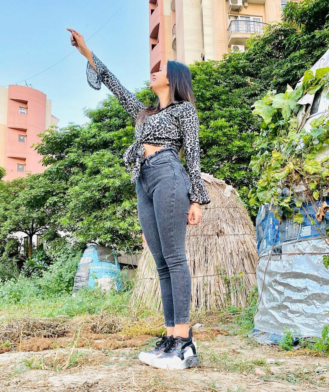 Anjali Arora in tight jeans photo