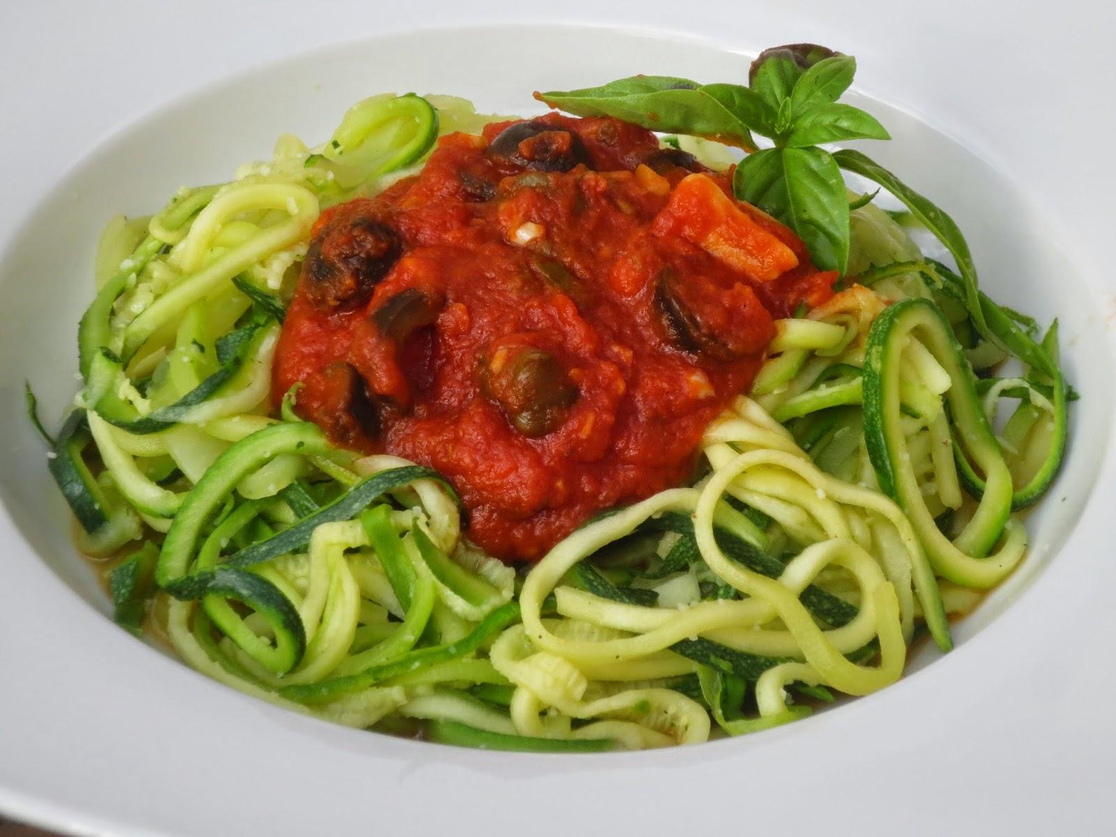 Espaguetis de calabacín a la putanesca Ana Sevilla con Thermomix