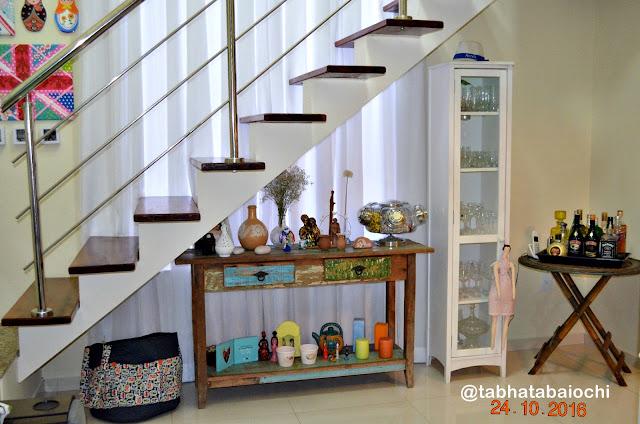 decoração-aparador-sob-escada