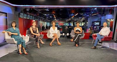 Rita Wu, Thais Herédia, Débora Freitas e Luciana Barreto com o entrevistado Marc Tawil_Divulgação CNN