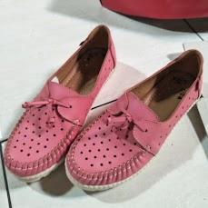 33 Merek Sepatu Lokal Indonesia