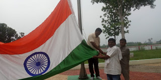 #JaunpurLive : पूर्व प्रधान ने पेश की देश प्रेम की मिसाल