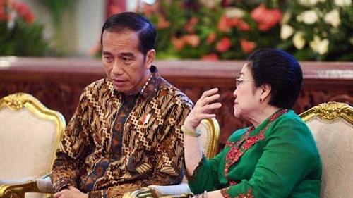 Pengamat Sebut Jokowi Mulai Berontak, Megawati Bisa Gigit Jari
