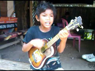 Lirik Lagu dan Video Tegar - Aku Yang Dulu Bukanlah Yang Sekarang