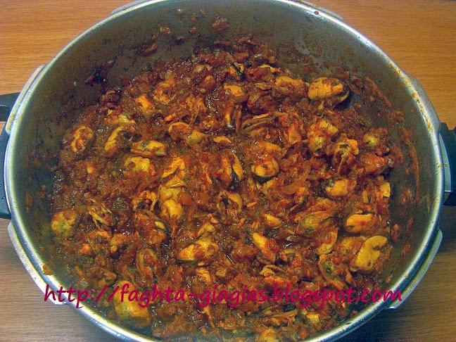 Τα φαγητά της γιαγιάς - Μύδια πιλάφι (μυδοπίλαφο)