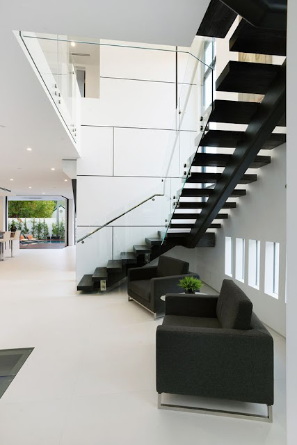 open well staircase design