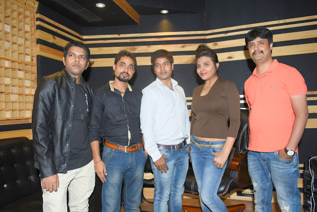 4. Rohit, Mayank Tiwari(Producer & Lyricists), Amit Raj (Executive Producer), Ritu Pathak (Singer) with Abhijeet Aroon (Music Director) during song recording CRAZY BALAM