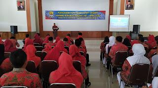 Bupati Cirebon Berikan Penghargaan Kenaikan Pangkat Kepada Ratusan PNS
