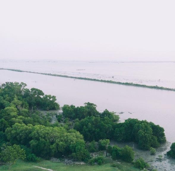 Pantai Sambilangan wisata madura