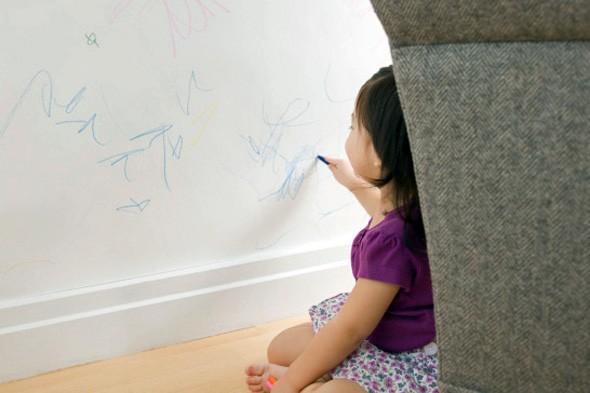 Cara Mensiasati Anak Yang Mencorat-Coret Dinding Rumah