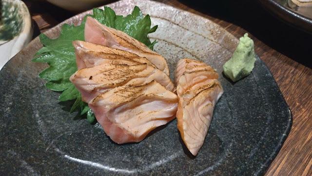 炙りサーモン 長崎市居酒屋の魚店亜紗 (うおだなあさ)がスーパーおすすめ!