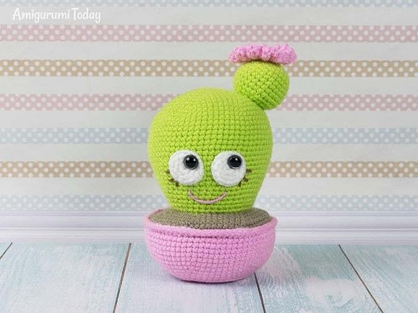 Cuddle Me Elephant crochet pattern - Amigurumi Today | 450x600