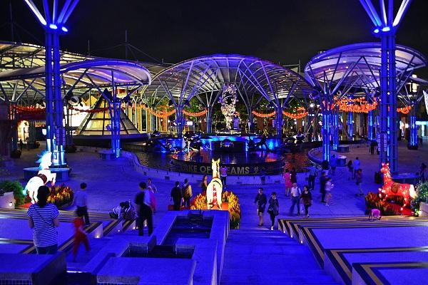 Festival Walk sầm uất với những lễ hội cùng hoạt động giải trí thú vị