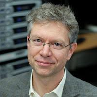 Headshot of Dr. Andrew Oxenham