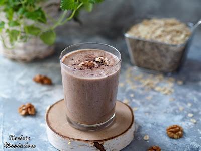 Owsiany koktajl czekoladowo-orzechowy