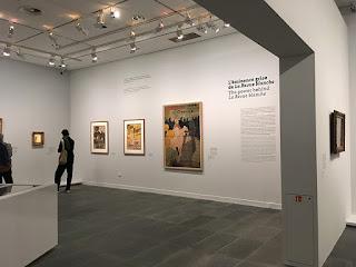 Gallery inside Musée de I'Orangerie