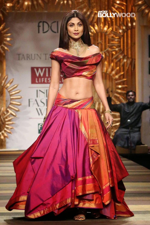 Shilpa Shetty Sexy Slim Navel Hot Figure Unseen Pic -5577