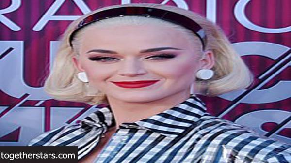 جميع حسابات كيتي بيري Katy Perry الشخصية على مواقع التواصل الاجتماعي