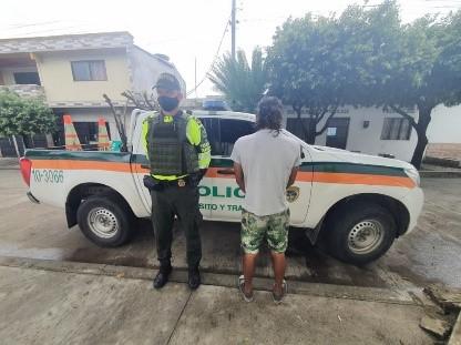 https://www.notasrosas.com/Policía Nacional captura por Orden Judicial, a un hombre en el Cesar