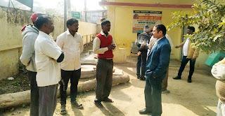 दुकानदारों ने किया पेशाब घर बनवाने की मांग | #NayaSaberaNetwork