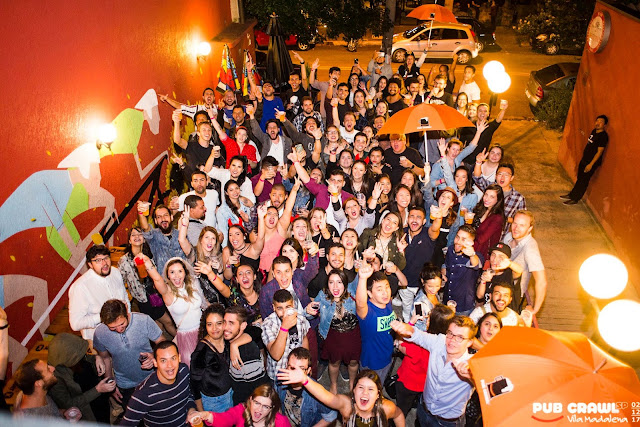 Pub Crawl: 1 noite, 3 bares, 1 balada, open bar e drinking games
